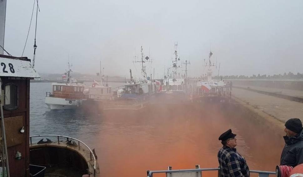 Film do artykułu: Protesty rybaków we Władysławowie. Ok. 20 jednostek zablokowało wejście do portu: Niech rząd zwróci na nas uwagę [ZDJĘCIA, WIDEO]