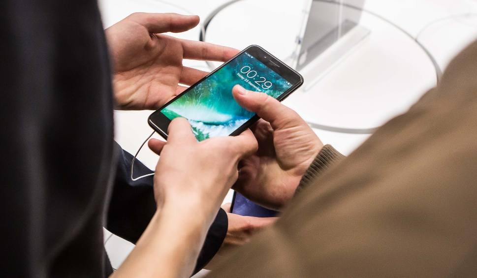 Film do artykułu: Zgubiłeś iPhone'a? Czeka na posterunku policji