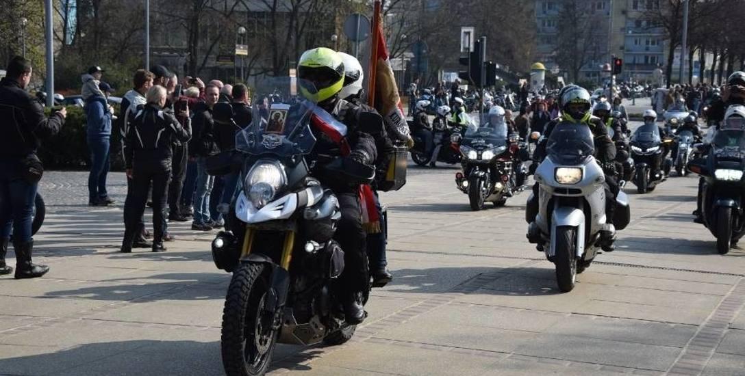 Pielgrzymka motocyklistów na Jasną Górę, 7 kwietnia 2020 rok Zobacz kolejne zdjęcia. Przesuwaj zdjęcia w prawo - naciśnij strzałkę lub przycisk NAST