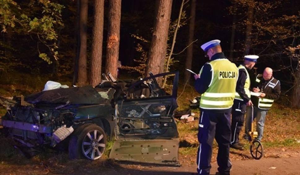 Film do artykułu: Nowa Wieś. W wypadku zginęły dwie młode zawodniczki i kibicka klubu UKS Loczki Wyszków [ZDJĘCIA+WIDEO]