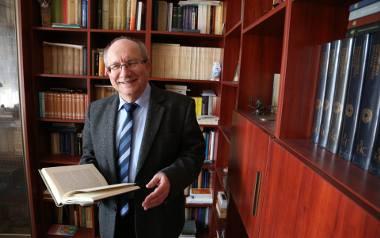 Prof. Jerzy Kopania: Każdy ksiądz powinien być apolityczny