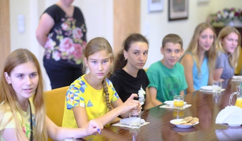 Film do artykułu: Spotkanie Prezydenta Michała Zaleskiego z dziećmi z Ukrainy [ZDJĘCIA]