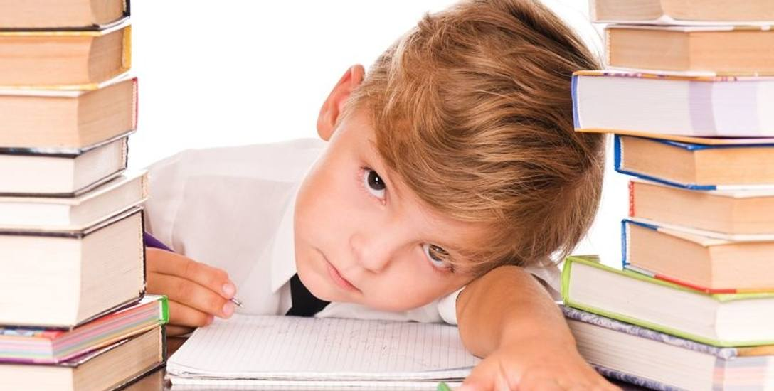 Rzecznik praw dziecka: Dzieci są umęczone przez prace domowe