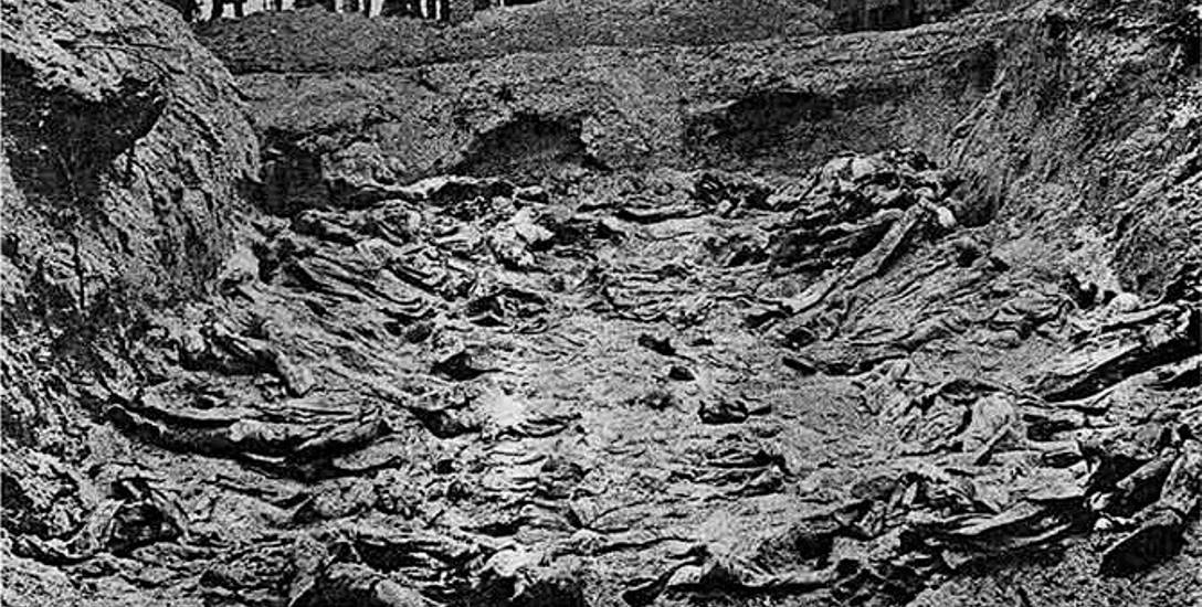 Masowy grób oficerów – ekshumacja w 1943 roku