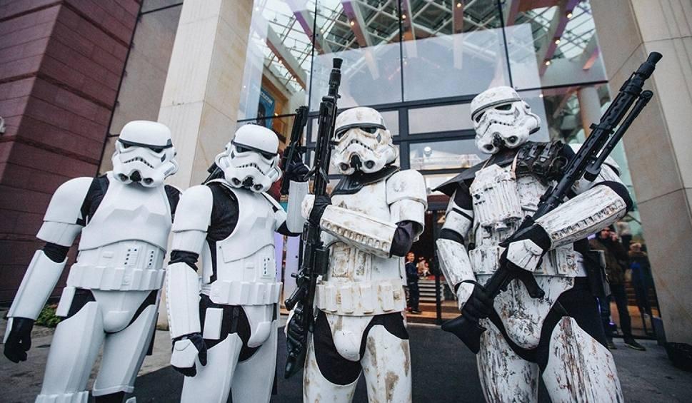 """Film do artykułu: Fani """"Gwiezdnych Wojen"""" ponownie przyjadą do Wejherowa. 21 grudnia odbędzie się IV Forcecon 2019"""