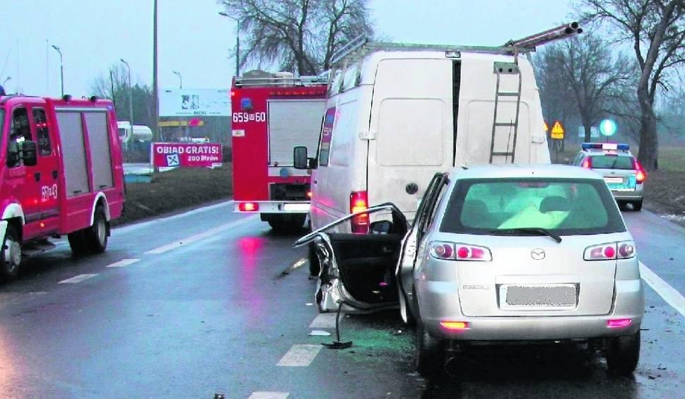 Film do artykułu: W wypadku między Szydłowcem a Radomiem zginął policjant ze Staszowa