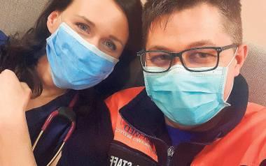 Przyspieszyli decyzję o ślubie z powodu epidemii koronawirusa - chodziło o dostęp do informacji medycznej, gdyby któreś trafiło do szpitala