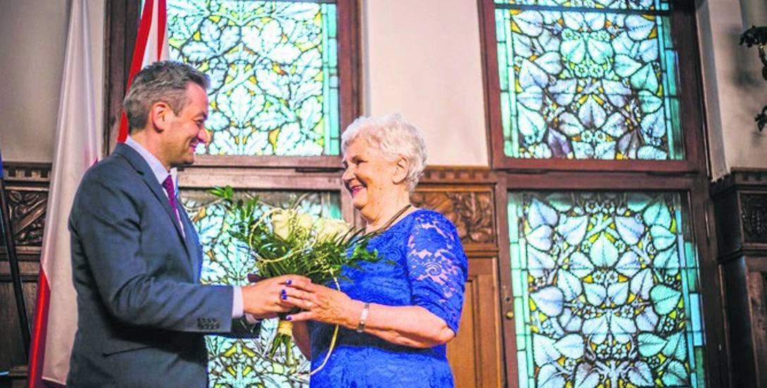 Bratnie dusze - poetka Maria Szymańska i prezydent Słupska Robert Biedroń