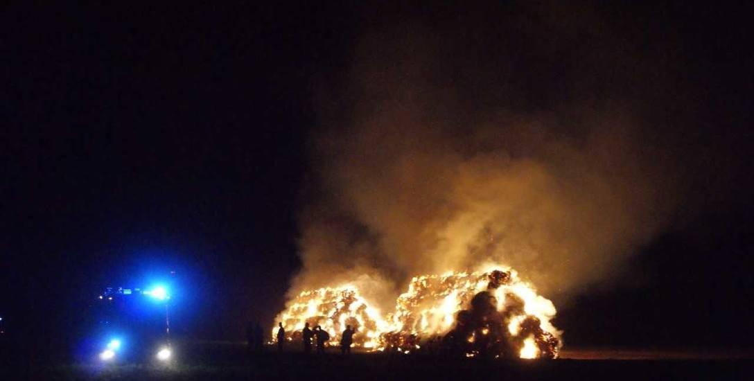 Pożar wybuchł w miniony wtorek. Prezes Rolniczej Spółdzielni Produkcyjnej w Urbanowie jest przekonany, że to efekt celowego działania