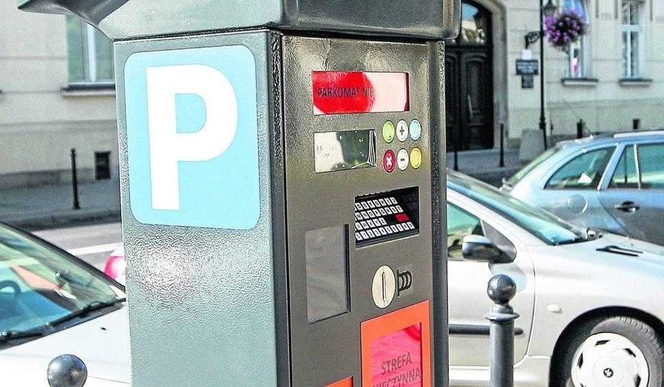 Film do artykułu: Strefa płatnego parkowania w Rzeszowie. Postój w centrum będzie jednak tańszy