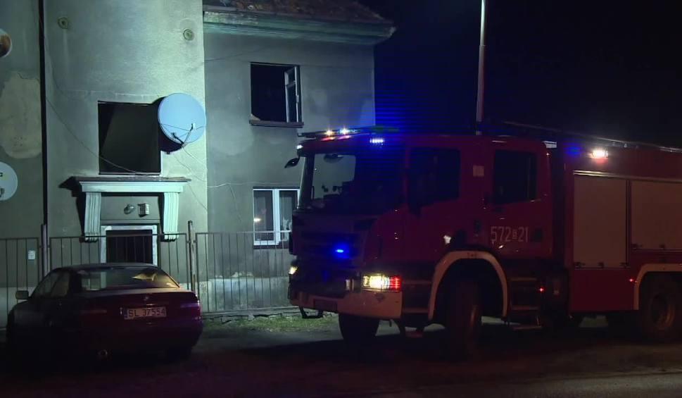 Film do artykułu: Pożar w Rudzie Śląskiej: w płomieniach zginął mężczyzna WIDEO + ZDJĘCIA