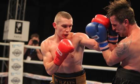 Damian Wrzesiński, na co dzień trenujący w sali bokserskiej przy ul. Reymonta w Poznaniu, zaprezentował się w sobotnim pojedynku na gali w Międzyzdrojach