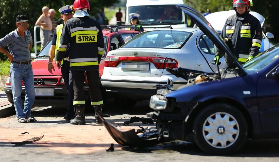 Film do artykułu: Wypadek trzech aut w Skowierzynie, gmina Zaleszany