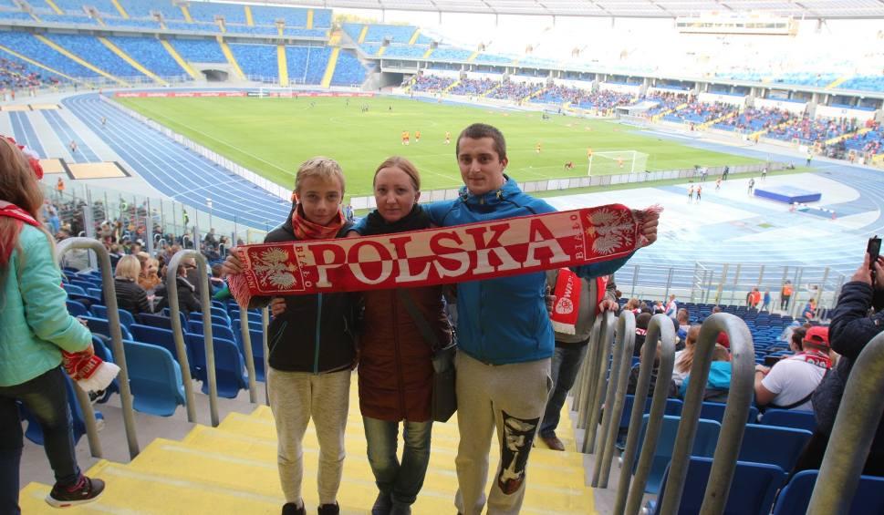 Film do artykułu: Polska - Białoruś 3:0 ZDJĘCIA KIBICÓW Tłumy na Stadionie Śląskim pomogły naszym piłkarzom