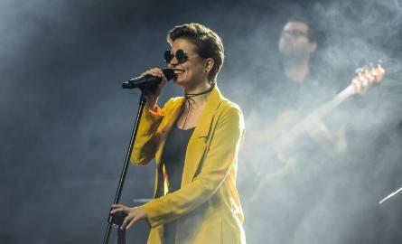 """W niedziele, 18 listopada, odbył się koncert """"Bydgoscy Muzycy w Hołdzie... Maanam"""" w Miejskim Centrum Kultury. Publiczność wysłuchała"""