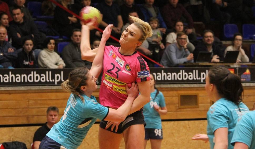 Film do artykułu: Klęska piłkarek ręcznych Korony Handball Kielce w Koszalinie. 17 bramek różnicy