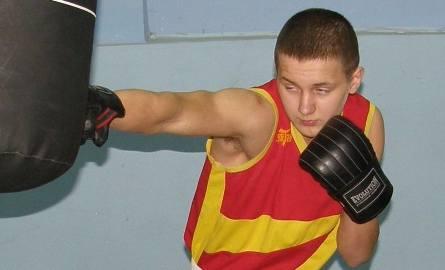 Mateusz Michalski w trakcie treningu w hali wSłupsku.