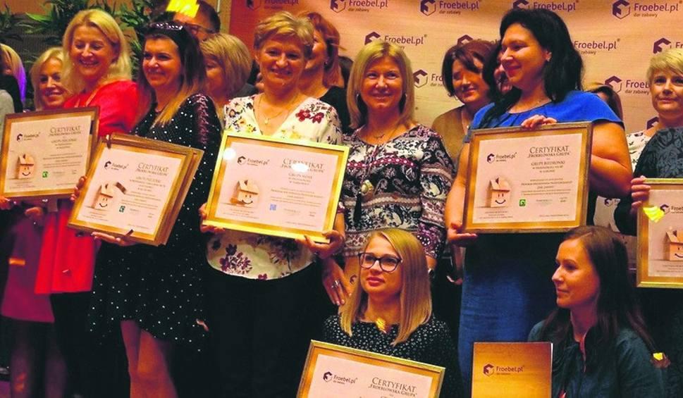 Film do artykułu: Przedszkole w Dąbrowicy otrzymało pedagogiczne wyróżnienie. To duży sukces
