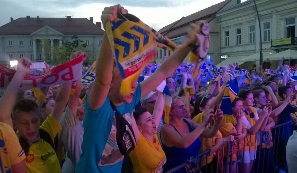 Film do artykułu: Wielkie świętowanie w Kielcach. Zobacz zdjęcia kibiców