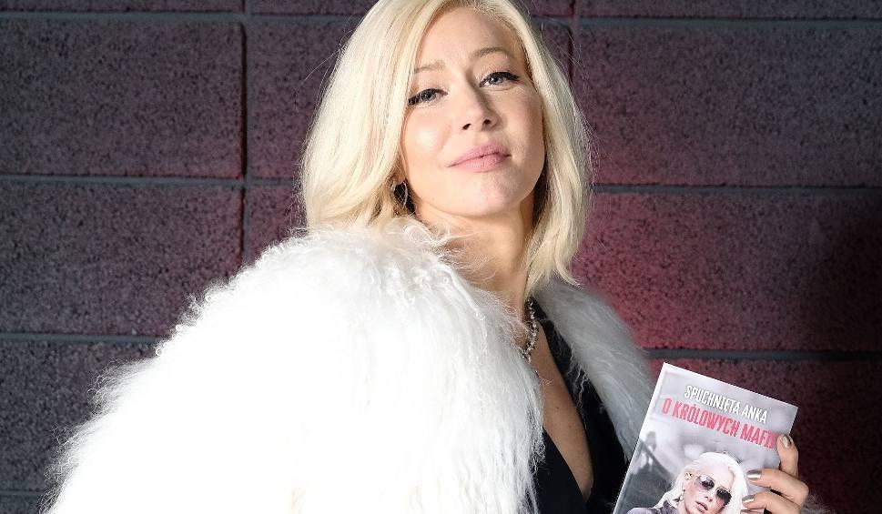 """Film do artykułu: Nadchodzą """"Kobiety mafii 2"""". Sprawdź, gdzie i kiedy zobaczysz najnowszy sensacyjny film w reżyserii Patryka Vegi"""