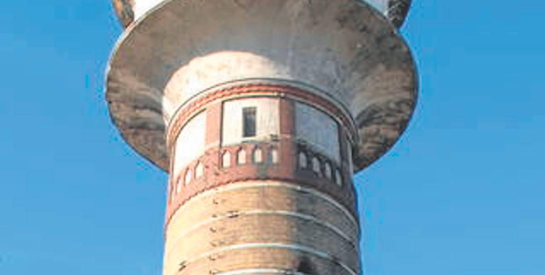 Sulechowska wieża ciśnień budzi góruje nad miastem