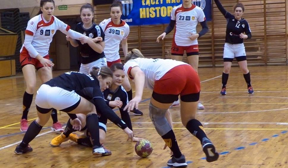 Film do artykułu: Piłka ręczna | 1 liga kobiet. Zwycięski wyjazd JKS-u Jarosław, za dużo błędów Sanu Jarosław i porażka z Varsovią [ZDJĘCIA]