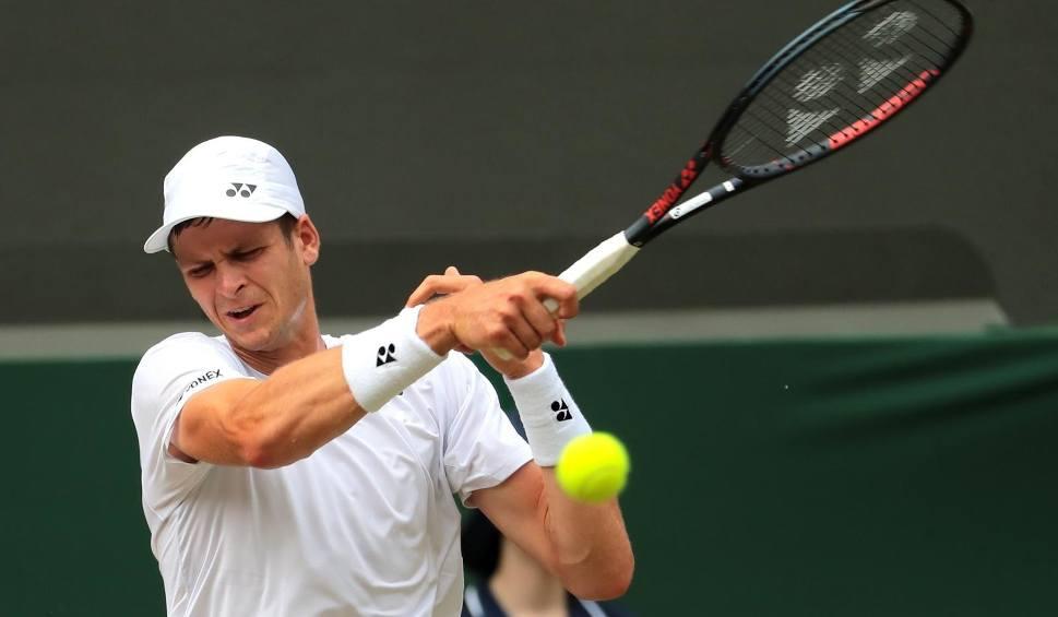 Film do artykułu: ATP Szanghaj. Hubert Hurkacz w dwóch setach pokonał Zhizhena Zhanga i awansował do drugiej rundy turnieju