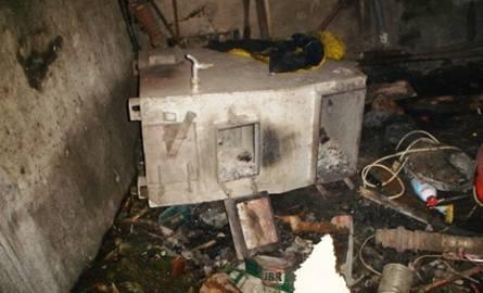 Wybuch w łazience w domu jednorodzinnym w miejscowości Leśniki spowodował uszkodzenia ścianek działowych