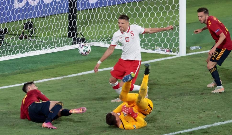 Film do artykułu: Euro 2020. Jakub Moder nie trenował w poniedziałek, z Janem Bednarkiem jest lepiej
