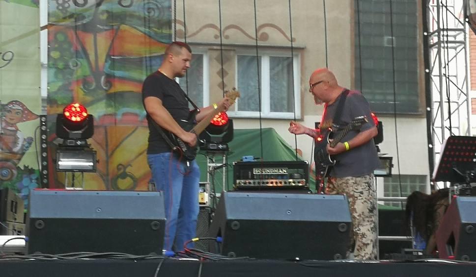 Film do artykułu: Świebodzińska formacja rockowa FSW wystąpiła przed winobraniową publicznością na scenie pod ratuszem w Zielonej Górze