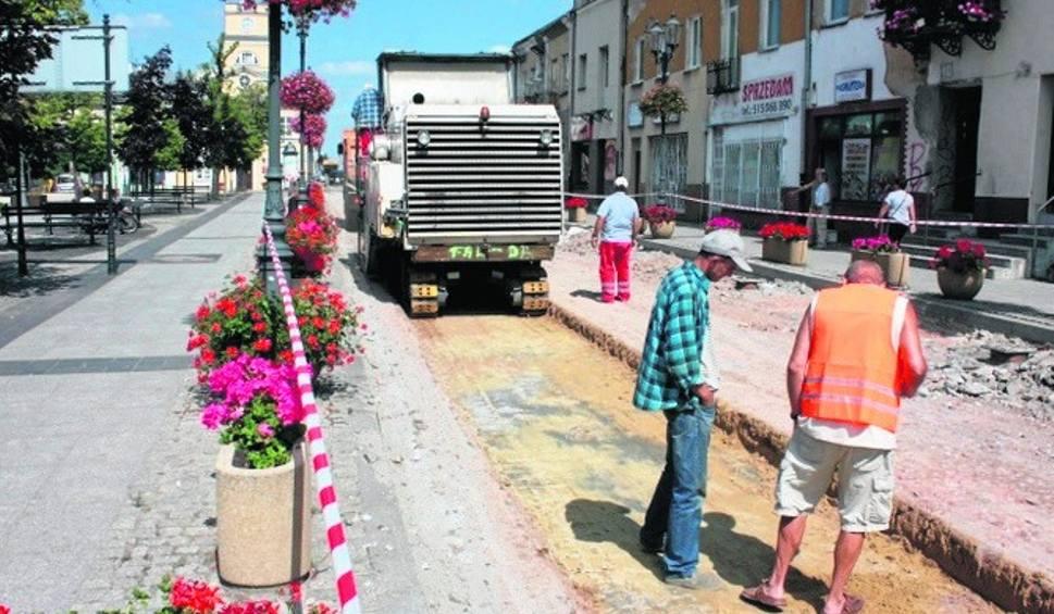 Film do artykułu: Grójec. Trwa remont ulicy Armii Krajowej