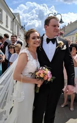 Apolonia i Robert wzięli ślub w sobotę 13 lipca w kościele Św. Krzyża na ul. 3 Maja w Rzeszowie