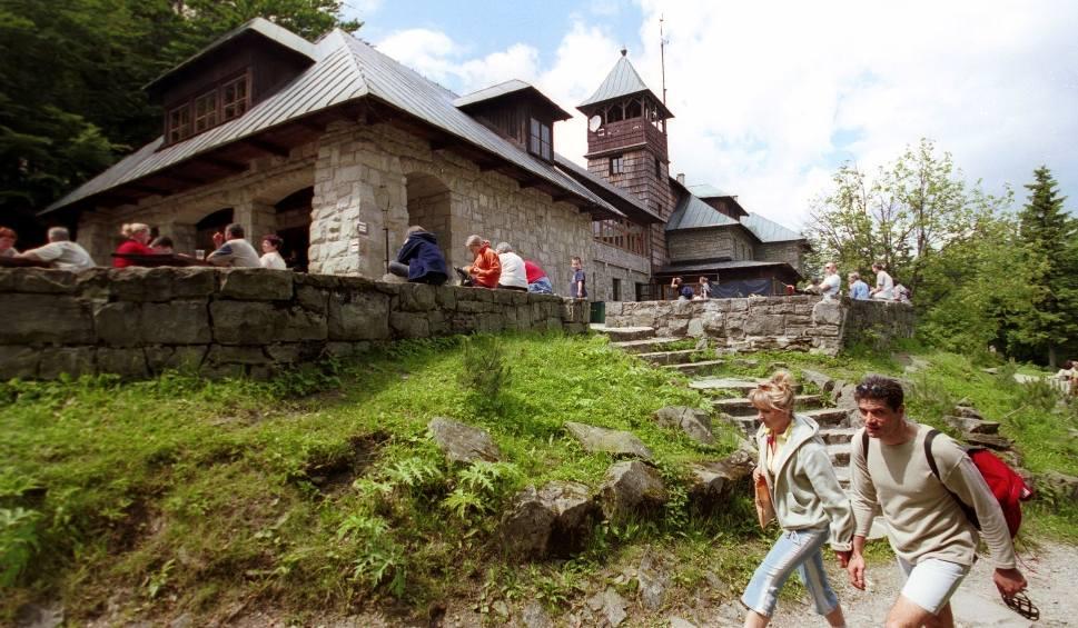 Film do artykułu: Najładniejsze schroniska górskie w Beskidach. Malownicze schroniska, chatki, TOP 21 schronisk. Ranking schronisk i chatek w Beskidach