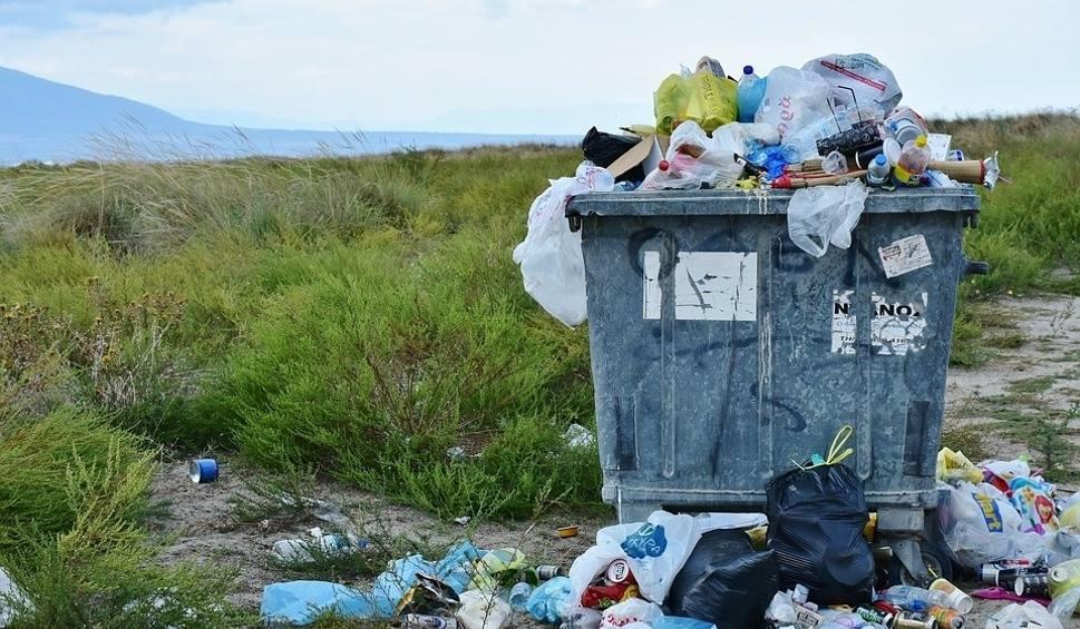 Film do artykułu: Mieszkańcy Kostrzyna zapłacą więcej za odbiór śmieci. Tak zdecydowali radni. Podwyżka wchodzi w życie od 1 marca