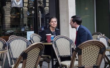 randka spotkanie kawiarnia