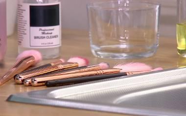 Jak myć pędzle, gąbki i inne przybory do makijażu?