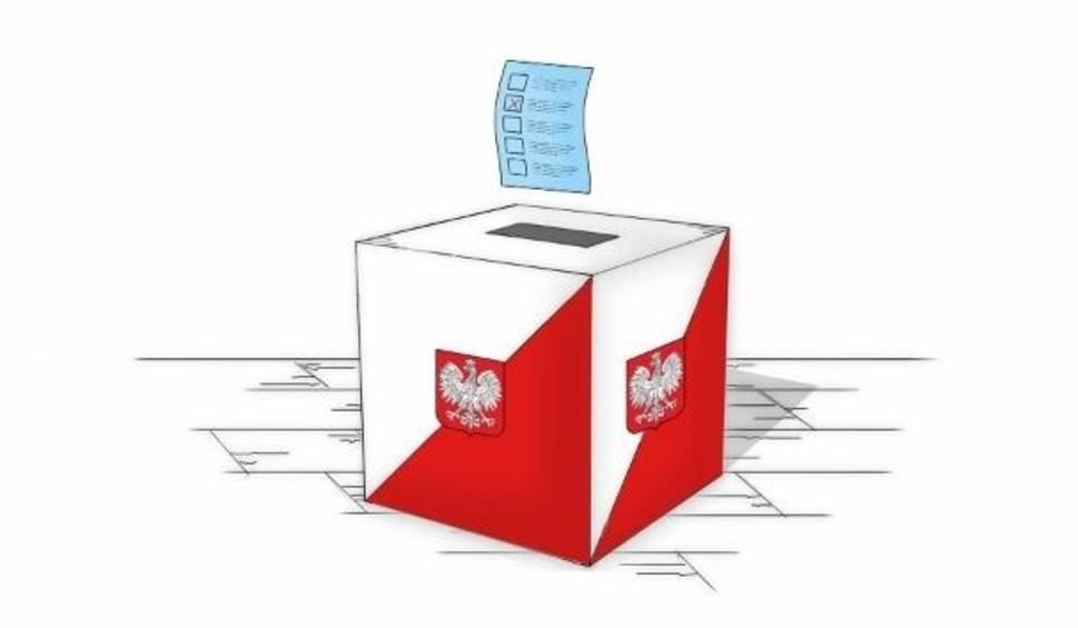 Film do artykułu: Wybory samorządowe 2018 w powiecie kieleckim rozpoczęte. Zobacz jak głosują mieszkańcy [RAPORT NA BIEŻĄCO]