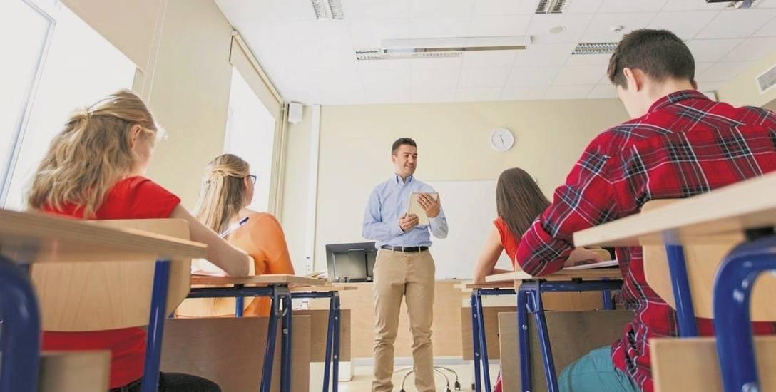 MEN mówi, że dostosowanie szkół nie wymaga znaczących kosztów, ale włodarze patrzą na to inaczej