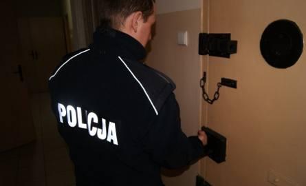 Przemoc domowa w Sosnowcu. Mężczyźni znęcali się nad 77-latką