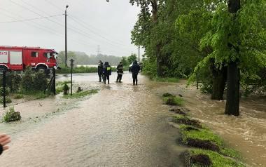 Maj 2019 roku. Potok Kromparek wystąpił z brzegów. Część dzielnicy znalazła się pod wodą