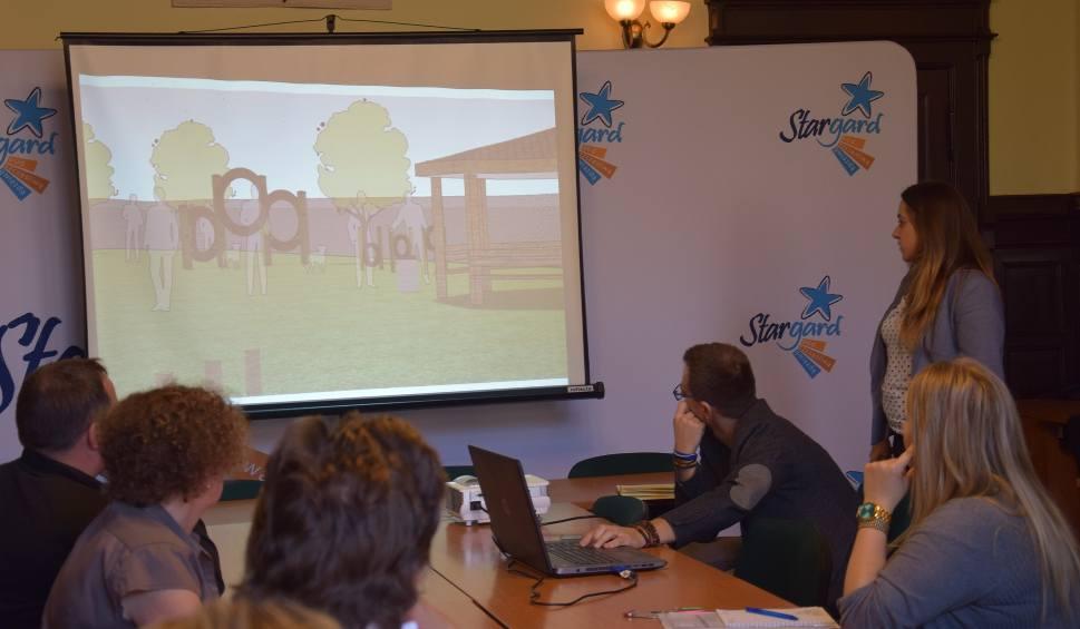 Film do artykułu: Psie Pole w Stargardzie. Dwa wybiegi z przeszkodami przy ul. Skandynawskiej