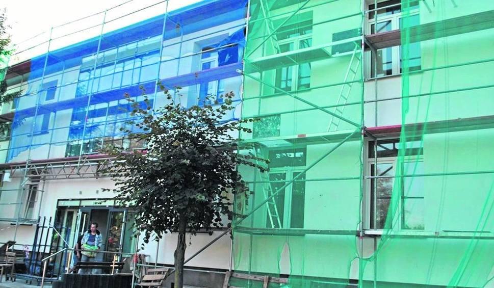 Film do artykułu: Zakład Opieki Zdrowotnej przy ulicy Spacerowej w Białobrzegach jest nadal w przebudowie