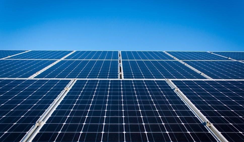 Film do artykułu: Gminy z powiatu szydłowieckiego stawiają na odnawialne źródła energii