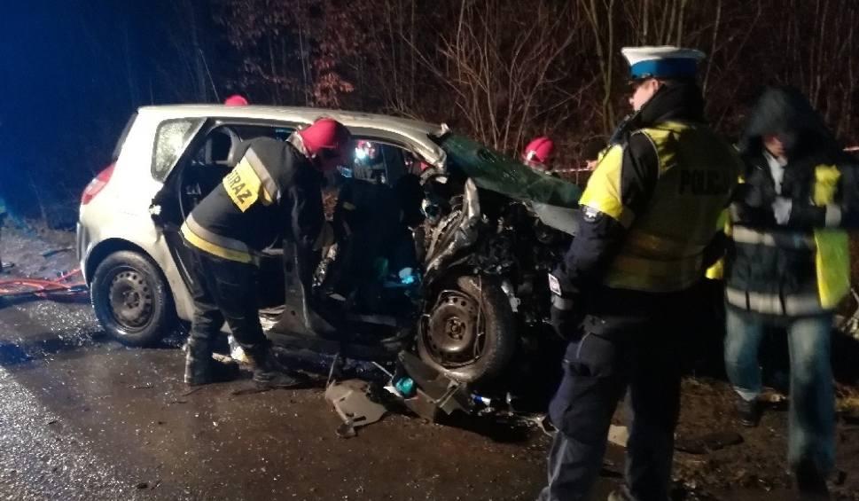 Film do artykułu: Tragiczny wypadek w Raniewie. Zginęły cztery osoby. Jest akt oskarżenia dla kierowcy [ZDJĘCIA]