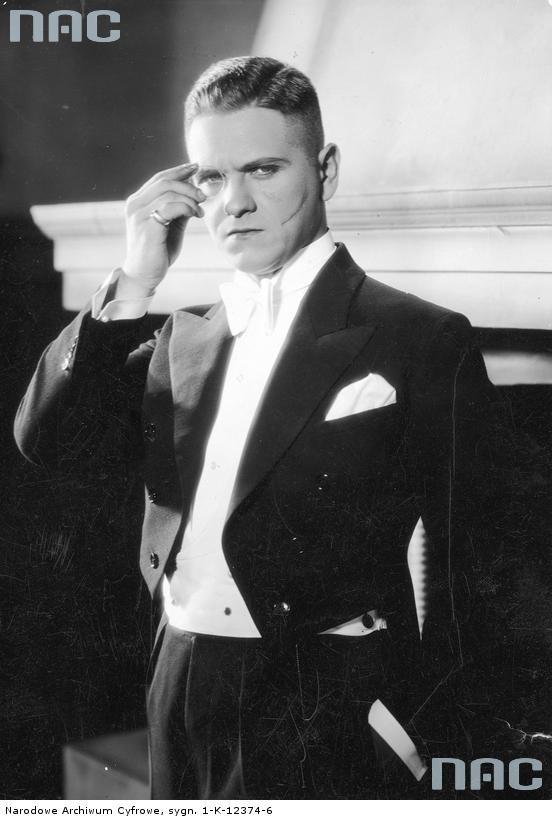 """Eugeniusz Bodo w filmie """"Wiatr od morza"""" z 1930 r. [1]"""