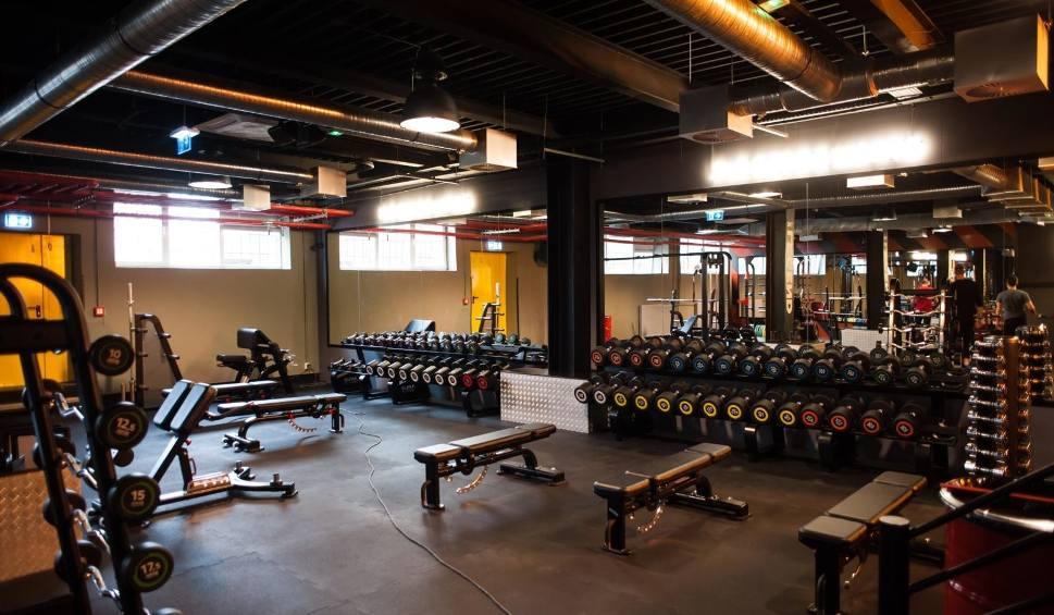 Film do artykułu: Kiedy otwarcie siłowni i klubów fitness? Wicepremier podała możliwy termin