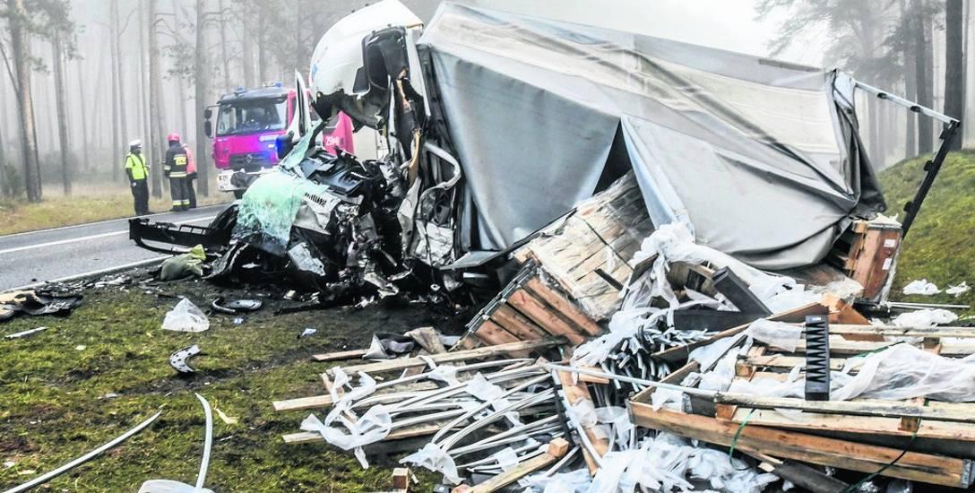 Wczoraj w nocy niedaleko Emilianowa doszło do kolejnego tragicznego w skutkach wypadku na S10.