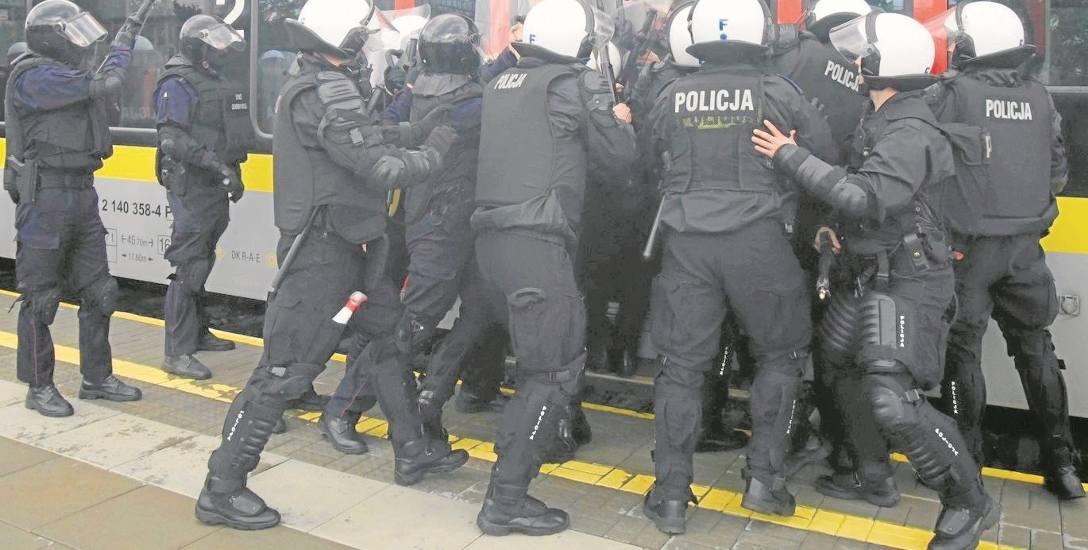 Policja ćwiczyła   na Kaliskim