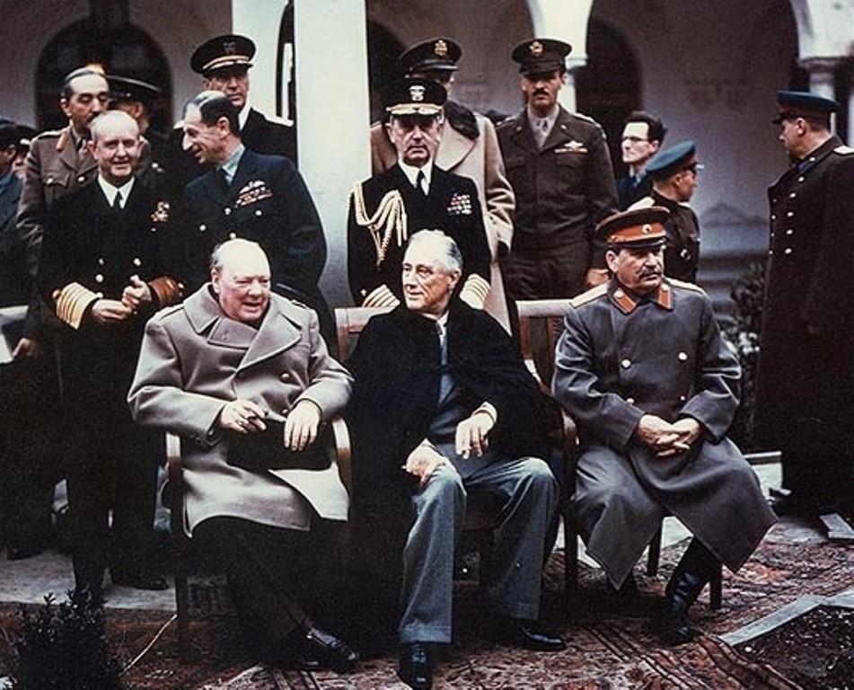 Winston Churchill, Franklin D. Roosevelt i Józef Stalin na konferencji w Jałcie