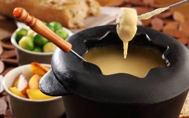 Serowe fondue.